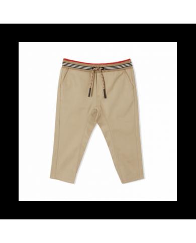 T-shirt con orso e logo